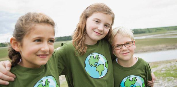 3 girls in Globe T-shirts